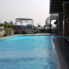 Отель Four Wings Бангкок бассейн фото 3