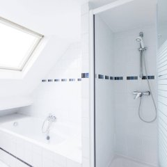 Отель Brugmann Square Apartments Бельгия, Брюссель - отзывы, цены и фото номеров - забронировать отель Brugmann Square Apartments онлайн ванная