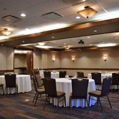 Отель Delta Hotels by Marriott Calgary South Канада, Калгари - отзывы, цены и фото номеров - забронировать отель Delta Hotels by Marriott Calgary South онлайн помещение для мероприятий фото 2