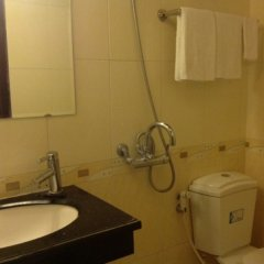 Phong Lan Hotel ванная фото 2