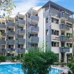 Отель Residence Flora Италия, Меран - отзывы, цены и фото номеров - забронировать отель Residence Flora онлайн бассейн фото 2