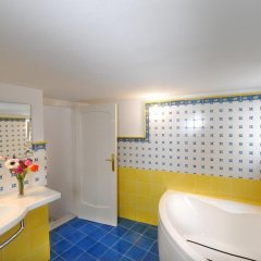Отель Amalfi un po'... Италия, Амальфи - отзывы, цены и фото номеров - забронировать отель Amalfi un po'... онлайн ванная