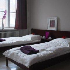 Отель Plus Berlin Стандартный семейный номер с различными типами кроватей фото 2
