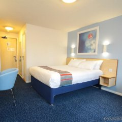 Отель Travelodge London City Airport
