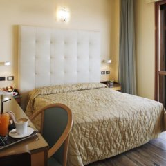 Отель Touring Римини комната для гостей фото 5