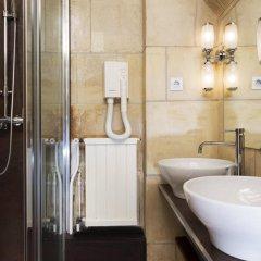 Отель Hôtel Saint Merry Франция, Париж - отзывы, цены и фото номеров - забронировать отель Hôtel Saint Merry онлайн ванная