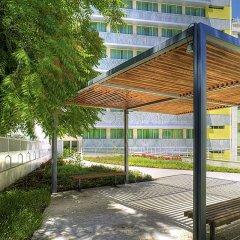 Отель HF Fenix Garden парковка