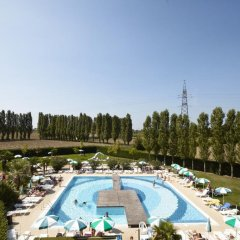 Отель Green Garden Resort Лимена бассейн