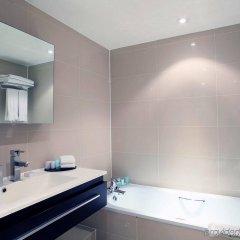 Отель Holiday Inn London - Kensington ванная