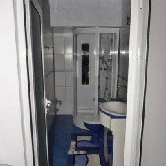 Отель The House Guest House Болгария, Варна - отзывы, цены и фото номеров - забронировать отель The House Guest House онлайн ванная