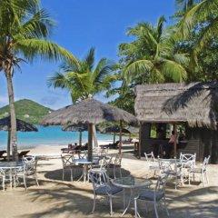 Tamarind Beach Hotel & Yacht Club гостиничный бар