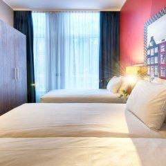 Leonardo Hotel Amsterdam City Center сейф в номере