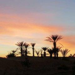 Отель Sahara Camp & Camel Trek Марокко, Мерзуга - отзывы, цены и фото номеров - забронировать отель Sahara Camp & Camel Trek онлайн балкон