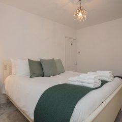 Отель 4 Bedroom House Next to Primrose Hill Великобритания, Лондон - отзывы, цены и фото номеров - забронировать отель 4 Bedroom House Next to Primrose Hill онлайн комната для гостей фото 2