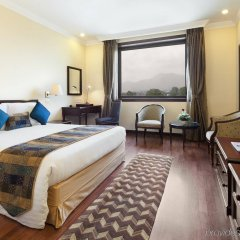 Отель Crowne Plaza Hotel Kathmandu-Soaltee Непал, Катманду - отзывы, цены и фото номеров - забронировать отель Crowne Plaza Hotel Kathmandu-Soaltee онлайн комната для гостей фото 2