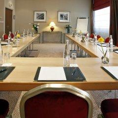 Отель Warwick Reine Astrid - Lyon Франция, Лион - 2 отзыва об отеле, цены и фото номеров - забронировать отель Warwick Reine Astrid - Lyon онлайн помещение для мероприятий фото 2