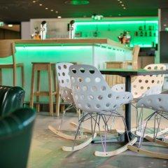 Отель Arcotel Donauzentrum Вена гостиничный бар