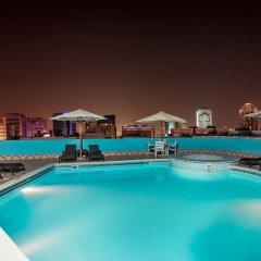Flora Grand Hotel бассейн