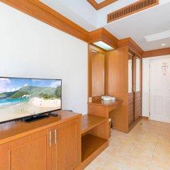Отель Phuket Chaba Hotel Таиланд, Пхукет - 1 отзыв об отеле, цены и фото номеров - забронировать отель Phuket Chaba Hotel онлайн удобства в номере