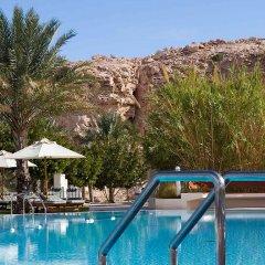 Отель Mercure Grand Jebel Hafeet Al Ain Hotel ОАЭ, Эль-Айн - отзывы, цены и фото номеров - забронировать отель Mercure Grand Jebel Hafeet Al Ain Hotel онлайн бассейн фото 2