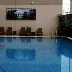 Flora Park Hotel Apartments бассейн
