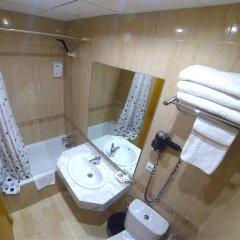 Отель Hostal Boqueria ванная
