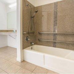 Отель Milpitas Inn ванная