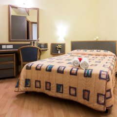 Отель AX ¦ Sunny Coast Resort & Spa сейф в номере