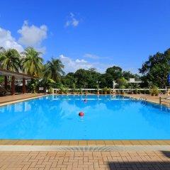Отель Copthorne Orchid Hotel Penang Малайзия, Пенанг - отзывы, цены и фото номеров - забронировать отель Copthorne Orchid Hotel Penang онлайн бассейн фото 3