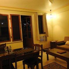 Om Niwas Suite Hotel балкон