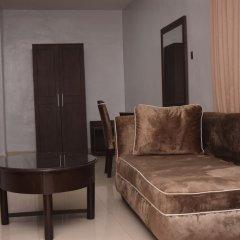 Pelican Hotel Lekki сейф в номере