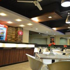 Отель Express Inn - Mactan Hotel Филиппины, Лапу-Лапу - отзывы, цены и фото номеров - забронировать отель Express Inn - Mactan Hotel онлайн гостиничный бар