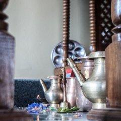 Отель Be Here Now Guest House Непал, Катманду - отзывы, цены и фото номеров - забронировать отель Be Here Now Guest House онлайн гостиничный бар