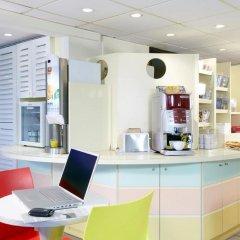 Отель Premiere Classe Lille Ouest - Lomme питание