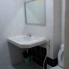 Отель Coop Dopa Hostel Таиланд, Бангкок - отзывы, цены и фото номеров - забронировать отель Coop Dopa Hostel онлайн ванная