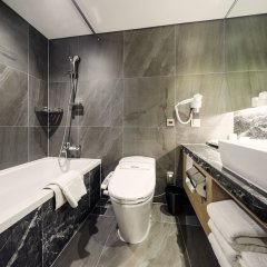 Отель Tmark Grand hotel Myeongdong Южная Корея, Сеул - отзывы, цены и фото номеров - забронировать отель Tmark Grand hotel Myeongdong онлайн ванная фото 2