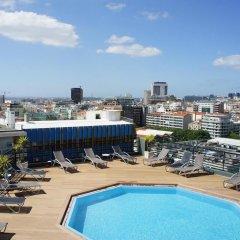 Отель Holiday Inn Lisbon Португалия, Лиссабон - 1 отзыв об отеле, цены и фото номеров - забронировать отель Holiday Inn Lisbon онлайн бассейн фото 2
