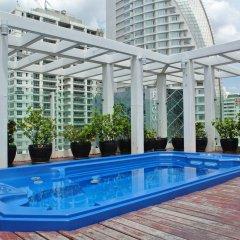 Отель FuramaXclusive Asoke, Bangkok Таиланд, Бангкок - отзывы, цены и фото номеров - забронировать отель FuramaXclusive Asoke, Bangkok онлайн бассейн фото 3