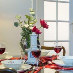 Отель Little Home - Red Flower в номере