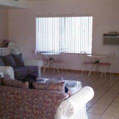 Отель Goodnite Inn and Suites комната для гостей фото 2