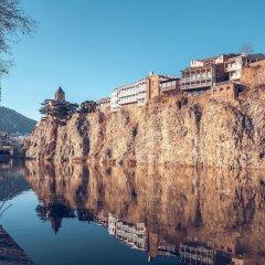 Отель H'otello Грузия, Тбилиси - отзывы, цены и фото номеров - забронировать отель H'otello онлайн приотельная территория фото 2