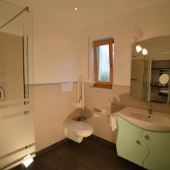 Hotel Pfeiss Лана ванная
