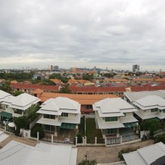 Отель Retreat By The Tree Pattaya балкон