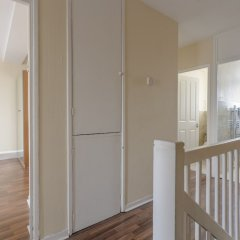 Отель 4 Bedroom Apartment in Battersea Великобритания, Лондон - отзывы, цены и фото номеров - забронировать отель 4 Bedroom Apartment in Battersea онлайн комната для гостей фото 4