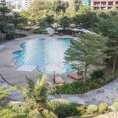 Отель R-Con Wong Amat Suite бассейн