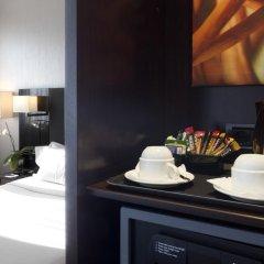 AC Hotel Firenze by Marriott сейф в номере