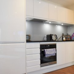 Отель 1 Bedroom Flat In Belsize Park Лондон в номере фото 2
