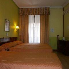 Отель Hostal Centro Sol Испания, Мадрид - отзывы, цены и фото номеров - забронировать отель Hostal Centro Sol онлайн комната для гостей