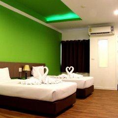 Отель Metro Resort Pratunam Бангкок комната для гостей