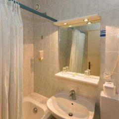 Отель Drake Longchamp Swiss Quality Hotel Швейцария, Женева - 5 отзывов об отеле, цены и фото номеров - забронировать отель Drake Longchamp Swiss Quality Hotel онлайн ванная фото 2